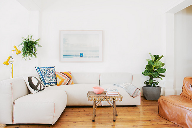 Un apartamento en la playa peque o moderno e inspirador for Decorar piso vacaciones