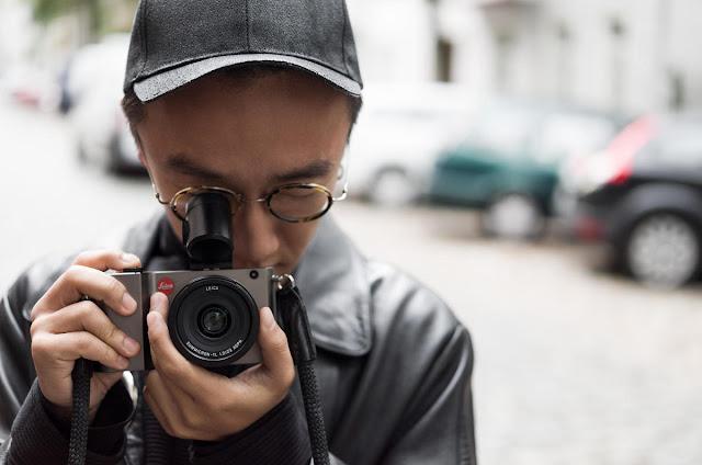 La Leica TL con il mirino opzionale Visoflex