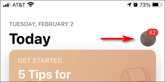 في App Store على iPhone ، اضغط على صورة ملفك الشخصي.