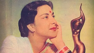 nargis dutt must watch films