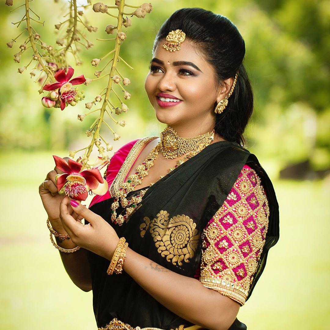 Actress shalu shammu photos