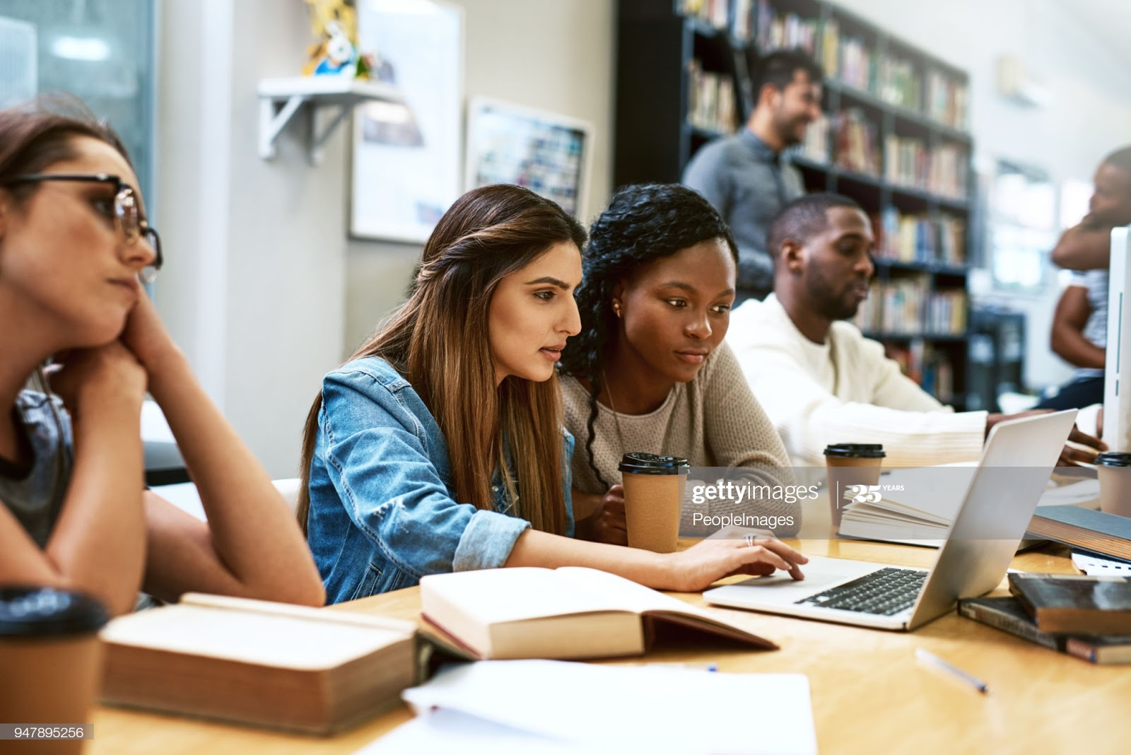 Top 10 Best Online Degree Colleges for International Students Abroad.