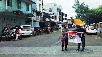 Polres Parepare Bersama Komunitas Jeep Club Parepare Bagi Bagi Masker
