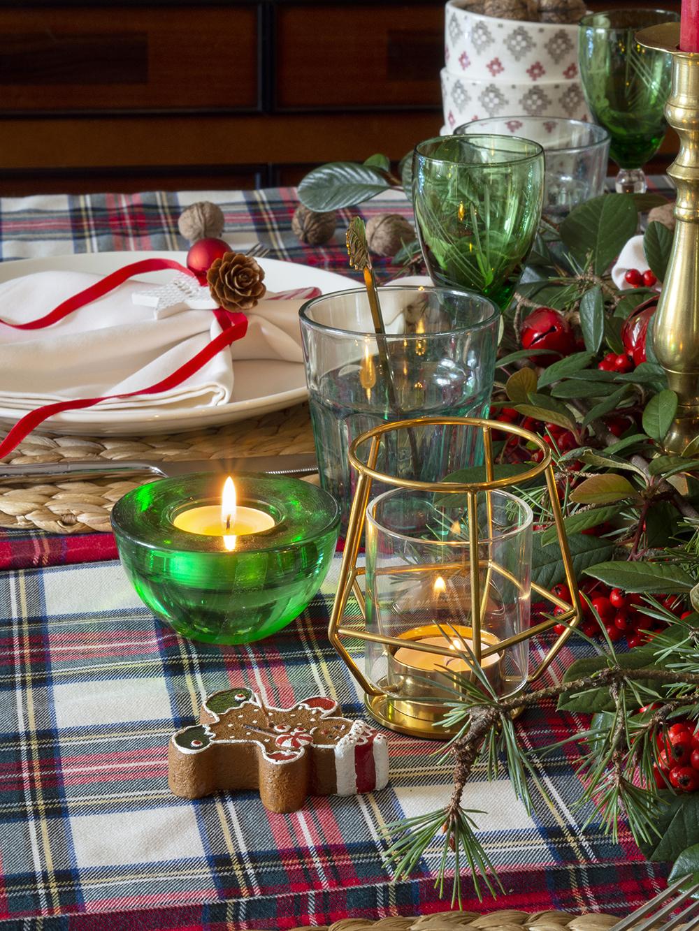 Nuestra mesa navideña en cuadros escoceses13