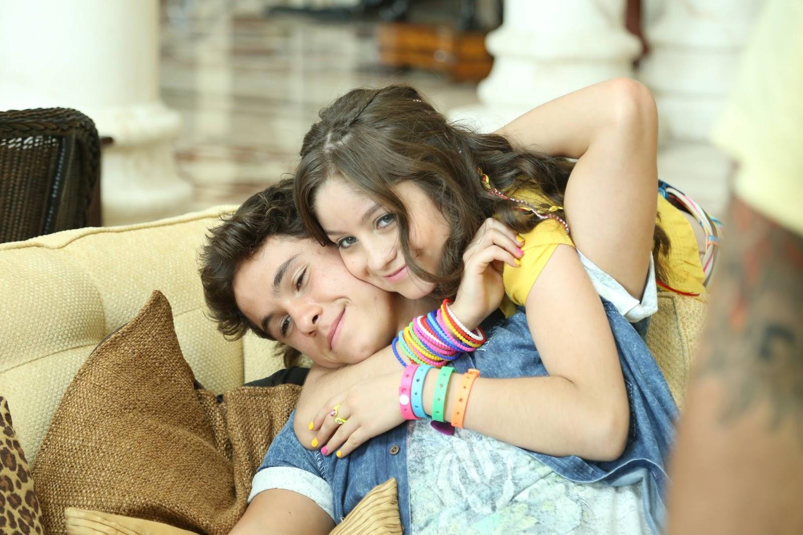 Karol y ruggero alas soy luna canciones de telenovelas y series - La casa de la luna sevilla ...