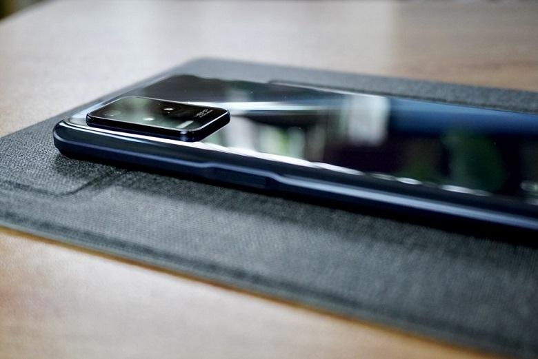 realme 8 5G Review: Design