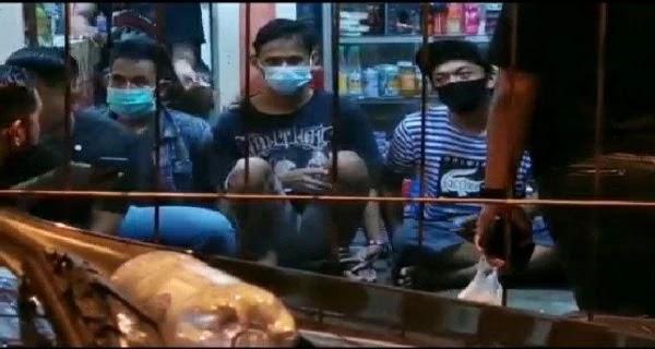 Anggota Prajurit Marinir Terkapar Karena Dikeroyok Oleh Kawanan Preman Di Terminal Bungurasih Surabaya, Intel TNI AL Bergerak Sigap