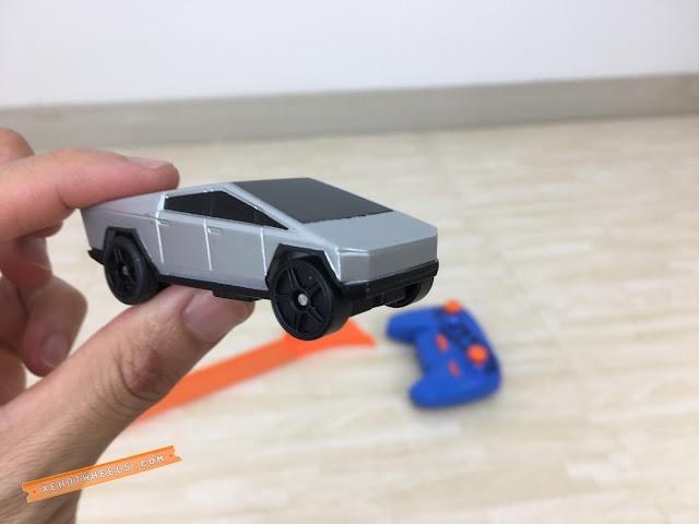 Xe Hotwheels điều khiển Tesla Cyber Truck 6