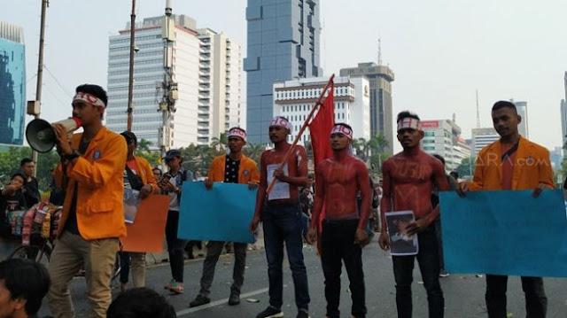 Demi Mendiang Randi dan Yusuf, Mahasiswa UHO Kendari Aksi di Jakarta