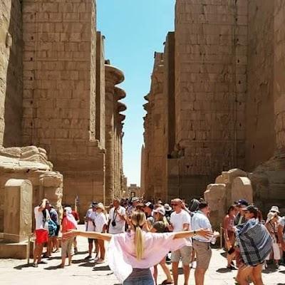 بالصور/ معالم مصر السياحية تكتظ بالسائحين من مختلف الجنسيات
