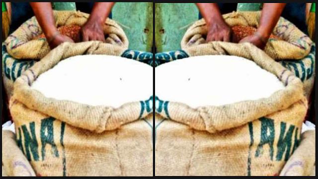 उत्तराखंड में आवंटित सरकारी राशन में कुछ जिलों में शिकायत, कंकड़ पत्थोरों के साथ मिल रहा है राशन।