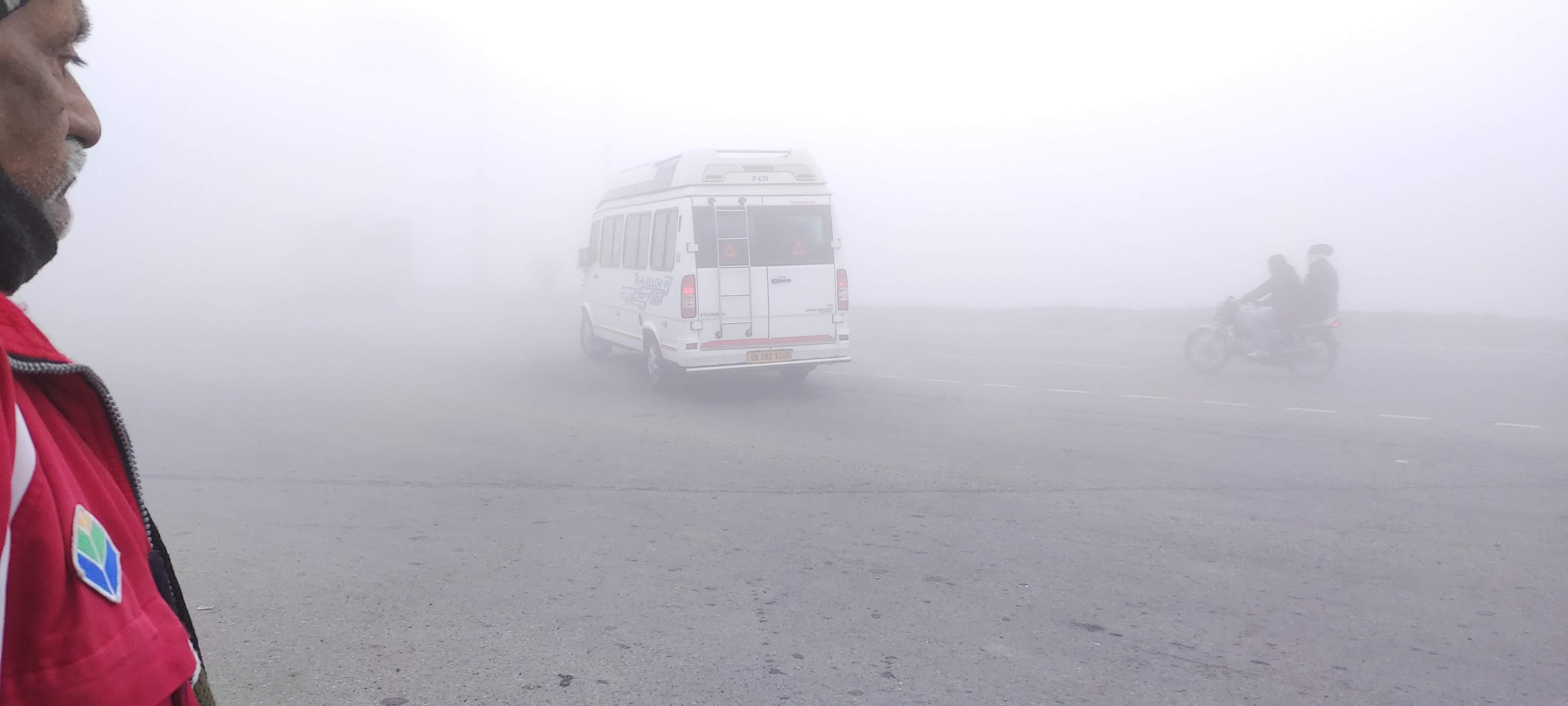 सर्द हवाओं के चलते दिल्ली NCR में महसूस हुई ठंड, उत्तराखंड, हिमाचल सहित मध्य प्रदेश में बारिश का अलर्ट