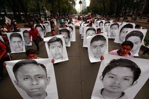Arrestan a expolicía vinculado al caso de los 43 de Ayotzinapa