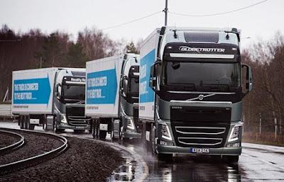 Volvo Trucks platooned