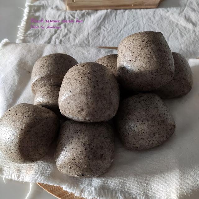 Black sesame steam bun 天然酵母- 黑芝麻馒头