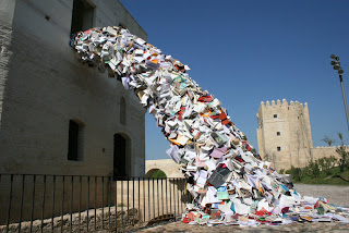 Escultura de papel y reciclaje