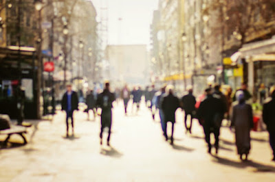 special report feb2017 gov people walkign in a blur