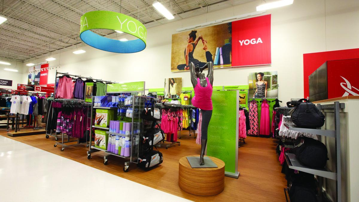 d03adb878 Lojas de marcas esportivas em Orlando  departamento