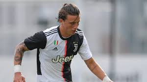 Genoa have completed the signing of Juventus left-back Luca Pellegrini.