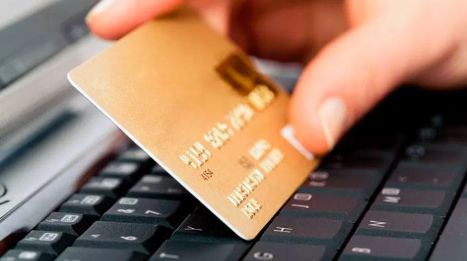 Banco deve indenizar correntistas por fraude via internet banking