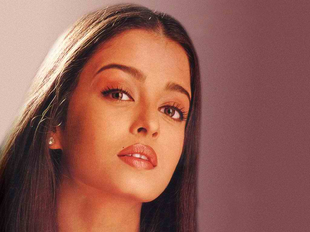 Aishwarya Sexy Photo Download