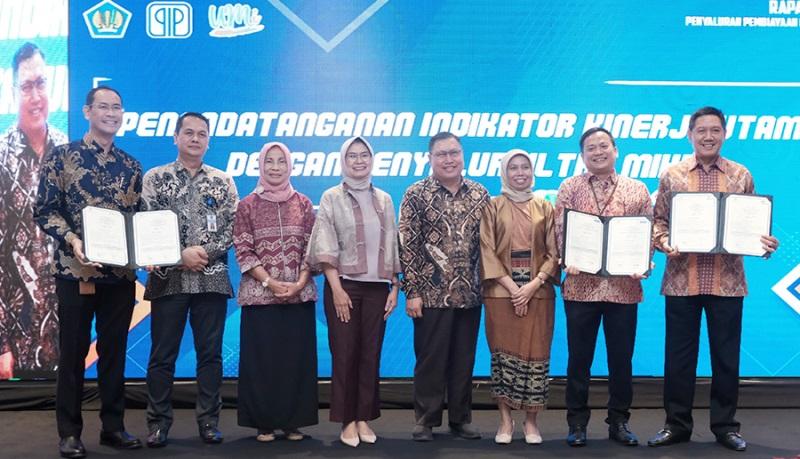 PIP Tandatangan Kontrak dengan Penyalur UMi dan Kerjasama dengan PT SMI