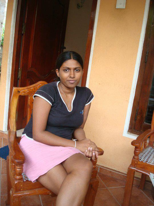 Piumi Hansamali Sexy Photos