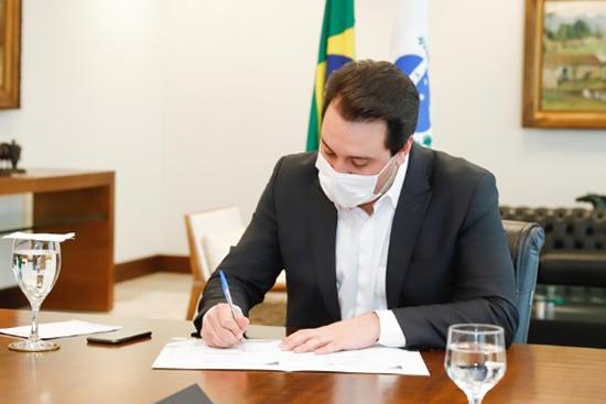 Governador Ratinho Junior. Café com Jornalista