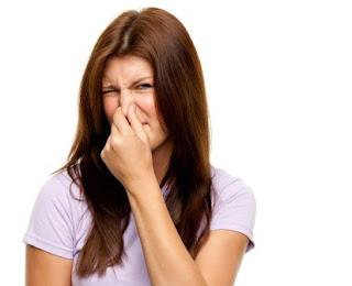 mencegah bau badan saat menstruasi