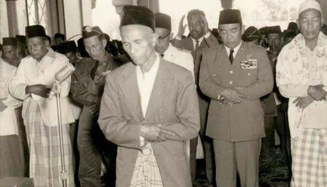 NANDUR ISLAM ING TANAH JOWO TEKO QUR'AN