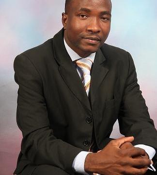 Ambwene Mwasongwe - Tangulia Mbele