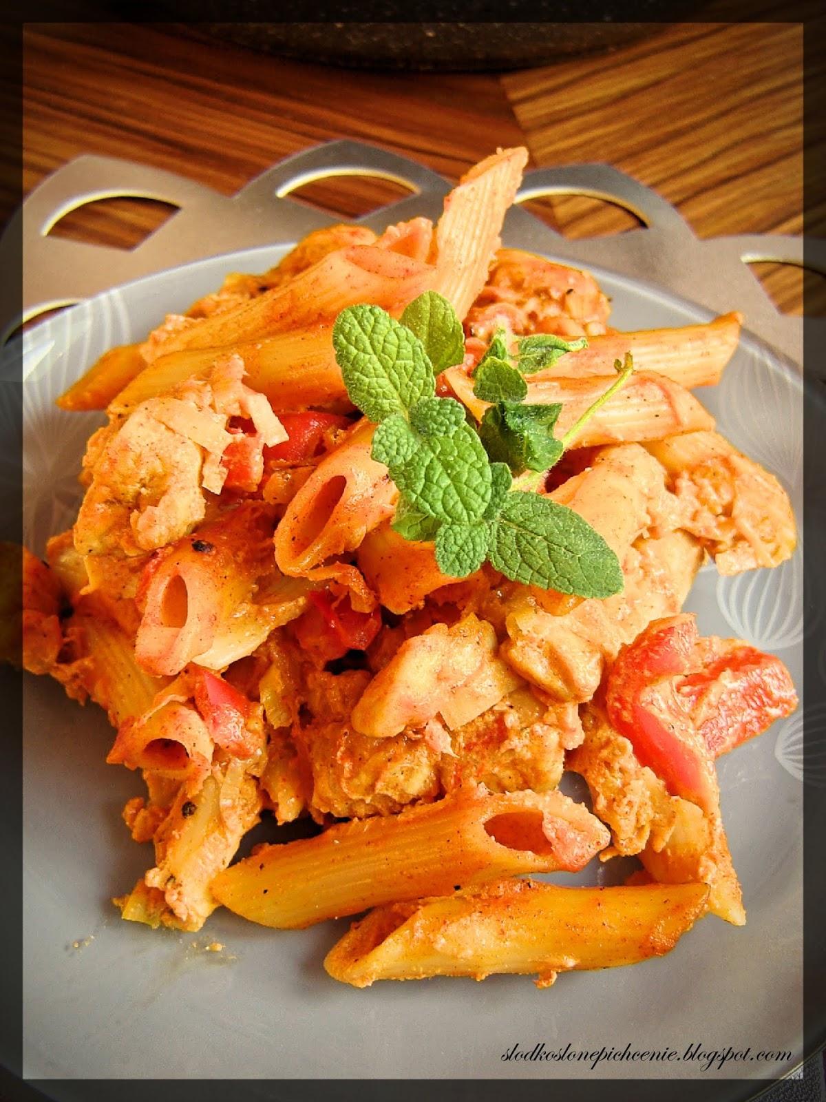 Makaron z kurczakiem w sosie porowym