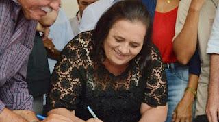 Prefeita de Diamante candidata a reeleição, é multada por usar marca e slogan de campanha em material da prefeitura