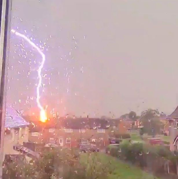Shocking Moment Lightning Struck A House During Heavy Rain And Thunderstorms