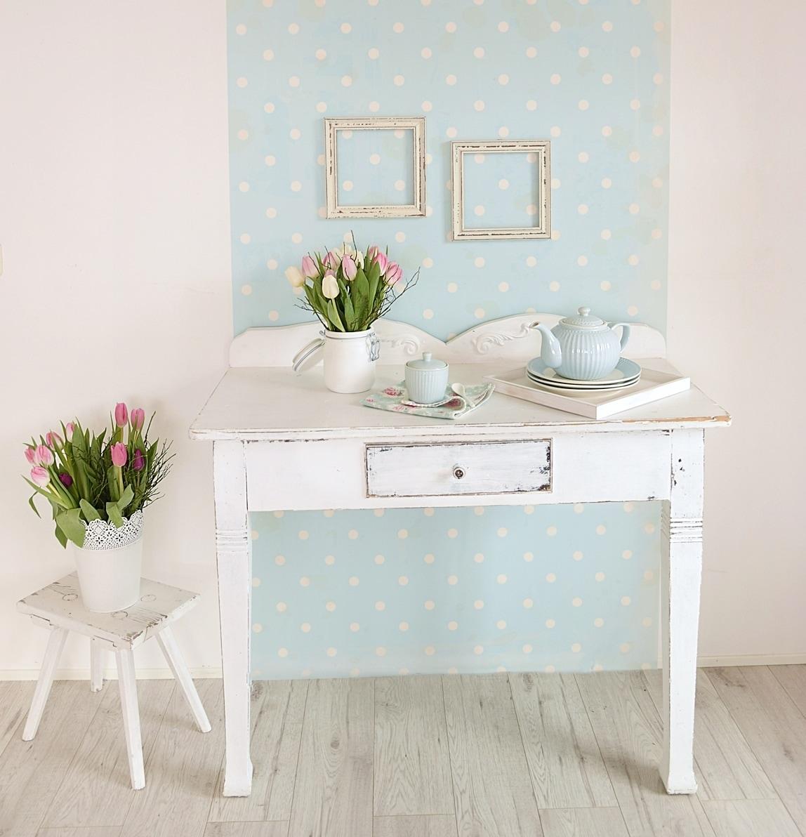 Fototapeten als farbige eyecatcher white vintage for Farbige wohnzimmerwand