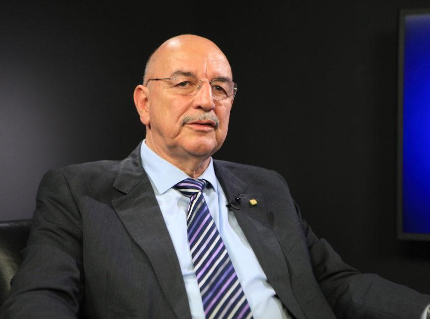Ex-ministro de Bolsonaro que minimizou pandemia é internado com covid-19