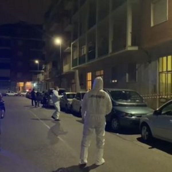 Torino, uccide i genitori a coltellate: fermato