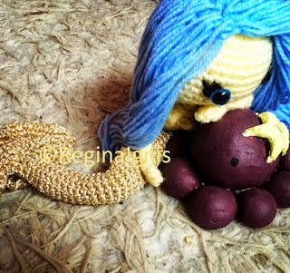 http://translate.googleusercontent.com/translate_c?depth=1&hl=es&rurl=translate.google.es&sl=en&tl=es&u=http://reginaignis.blogspot.nl/2014/09/amigurumi-doll-mermaids-tail-free.html&usg=ALkJrhiKGtnq0U6be9wfzsVEDN6KxMsDFQ#more