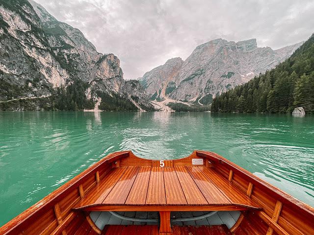 Lago di Braies in un giorno