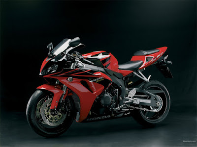 BMW S1000RR side view image