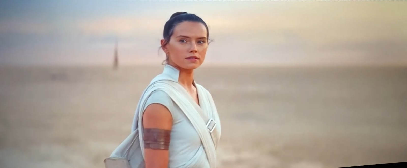 Star+Wars+El+ascenso+de+Skywalker+%282019%29+HDTS+1080p+Latino+-+Ingles.mkv_snapshot_02.11.47.233.jpg (1600×661)