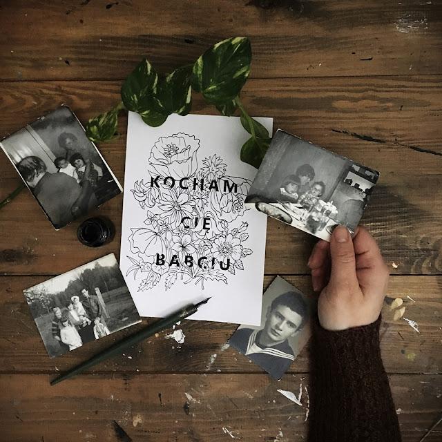 Kartki i kolorowanki na dzień babci i dziadka - do pobrania za darmo i wydrukowania, tylko na www.any-blog.pl. Zrób dziadkom niespodziankę i podaruj ręcznie malowaną kartkę. Jaki prezent na dzień babci? Laurki dla babci i dziadka, wzory do wydruku, ręcznie robione