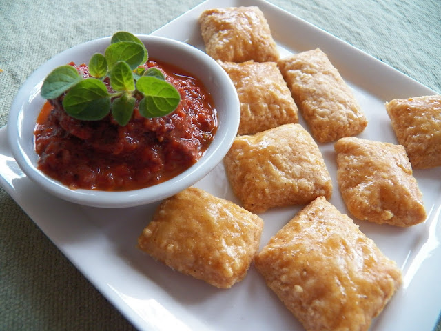 Roasted Red Pepper Tapenade with Cheese crackers