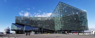 Reykjavík o Reikjavik. Edificio Harpa.