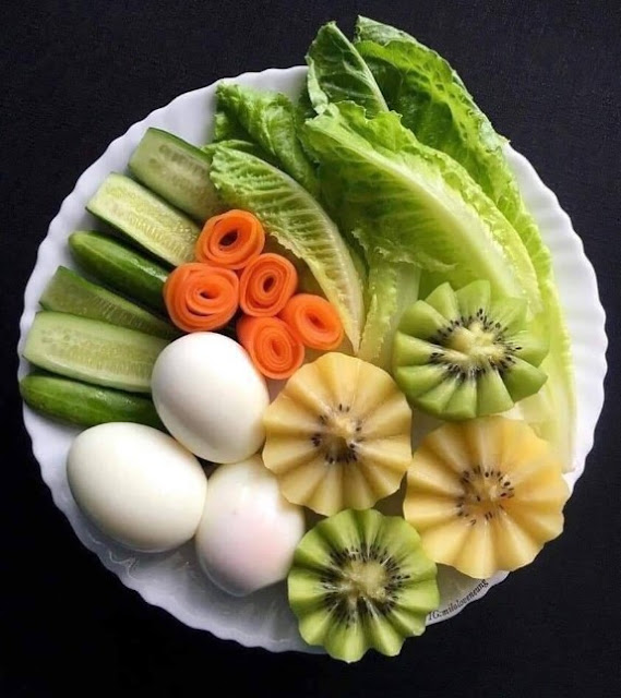 menu diet puasa tanpa nasi buah kiwi, timun. sawi, telur, wortel
