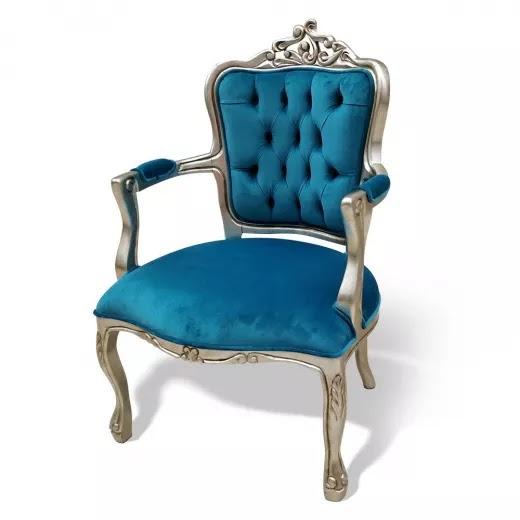 Poltrona Luis XV Entalhada Madeira Maciça Design de Luxo Peça Artesanal