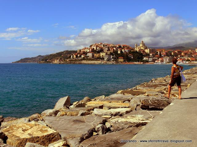 Spettacolare vista su Porto Maurizio a Imperia