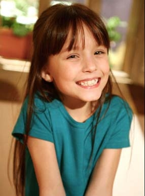 8ba58e3cbb024 Larissa Manoela Beautiful  Agosto 2012
