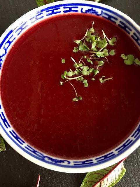 Rote-Bete-Kartoffel-Suppe mit Meerrettich, Rezept glutenfrei & vegan, Minimalismus: Zubereitung einfach + schnell, Healthy Food Style, Blog, Rezeptinspirationen für jeden Tag, gesund und lecker, Rezeptideen, schnelle Rezepte, entdecken, leicht