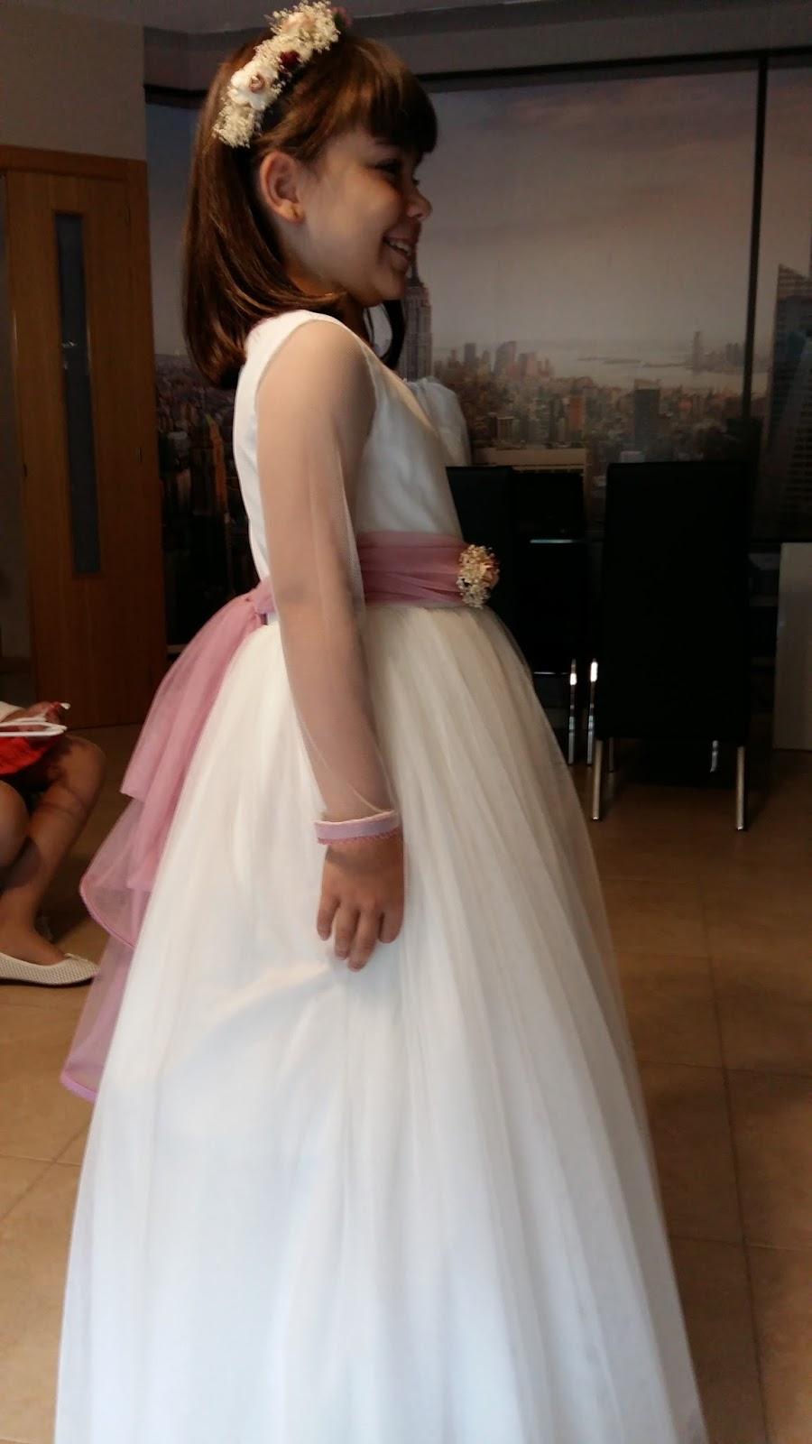 b9406e465e Un vestido muy sencillo realizado en tul